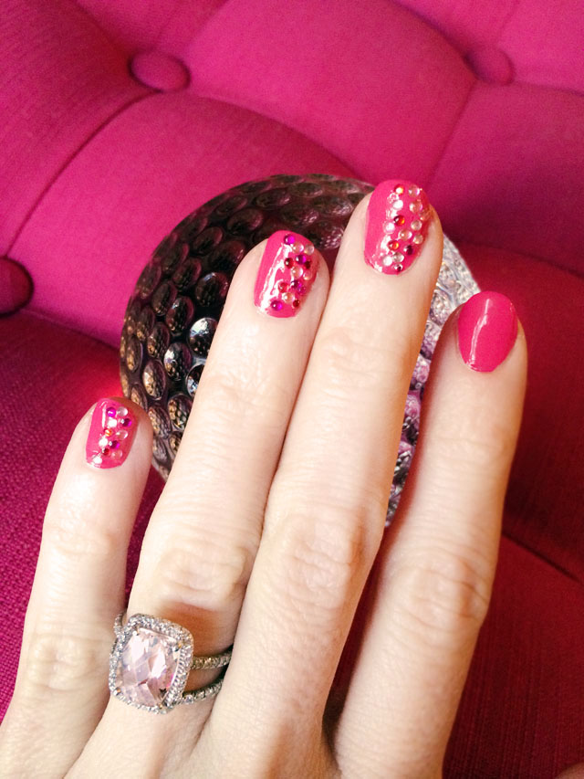 1 Pink-sparkle-valentines-day-nails