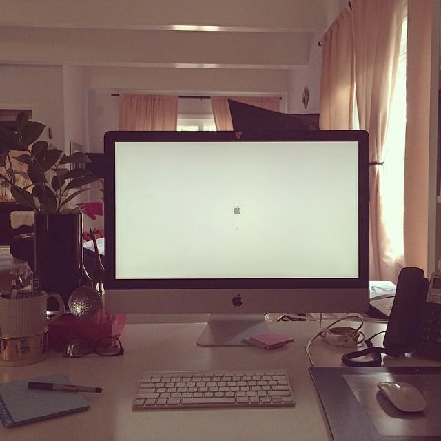 iMac gray screen