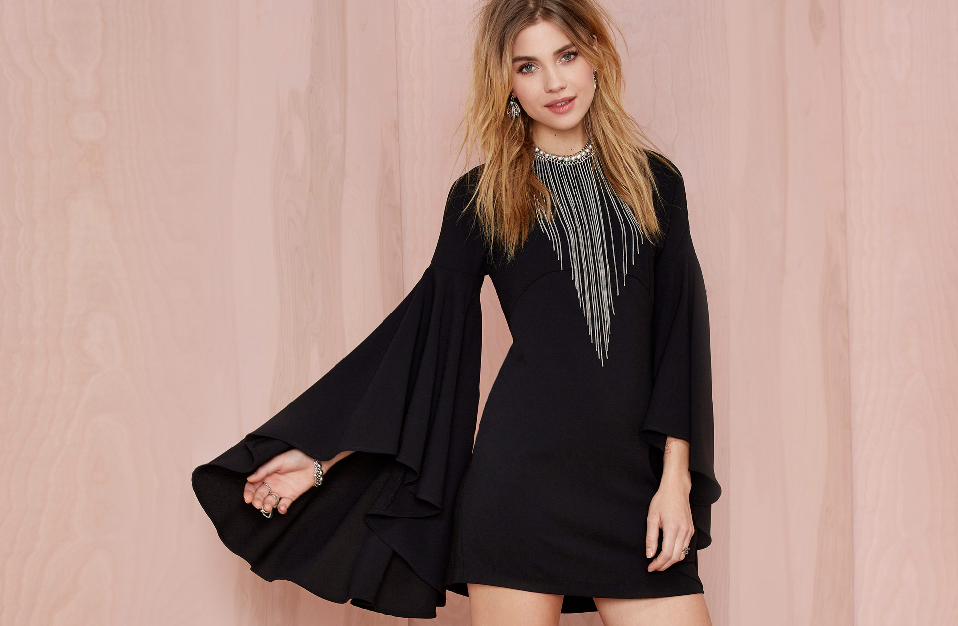 Left Me Hanging Chain Choker - Nasty Gal ~ Flared LBD