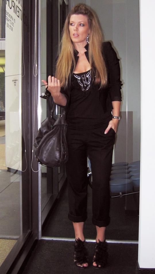 diy louboutin petal heels all black outfit