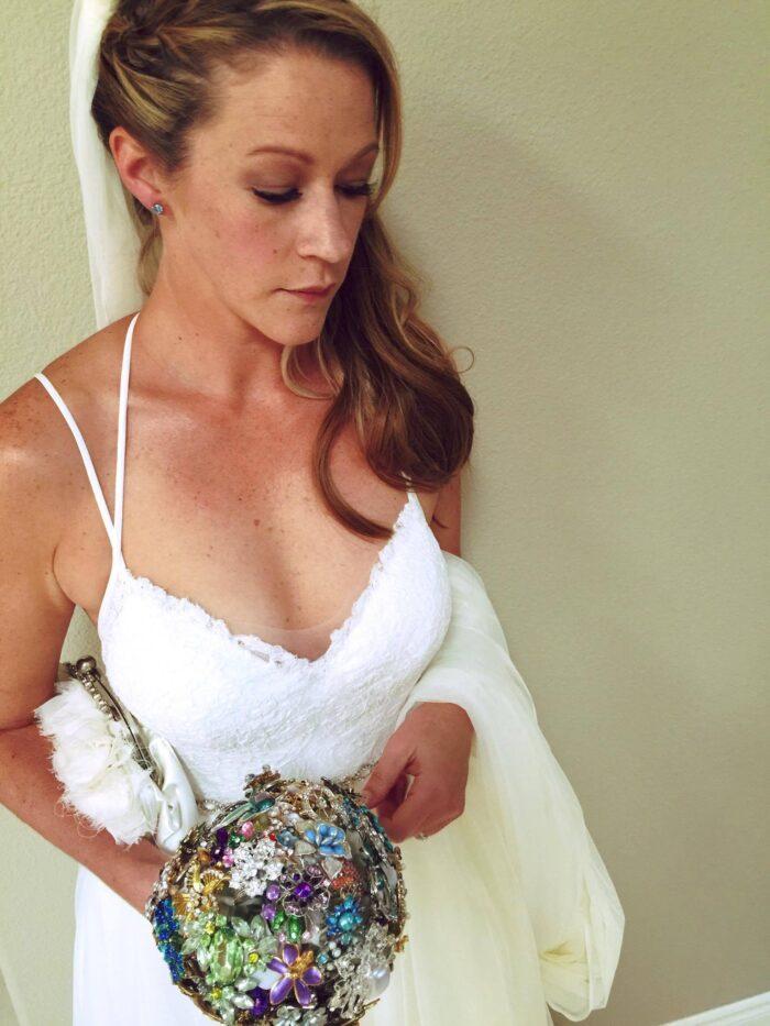 bride with custom wedding clutch bag - Ja