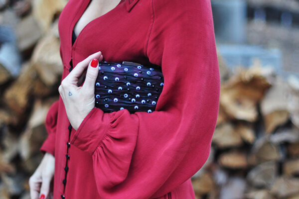 halloween DIY -googly-eyeball-clutch_red-dress