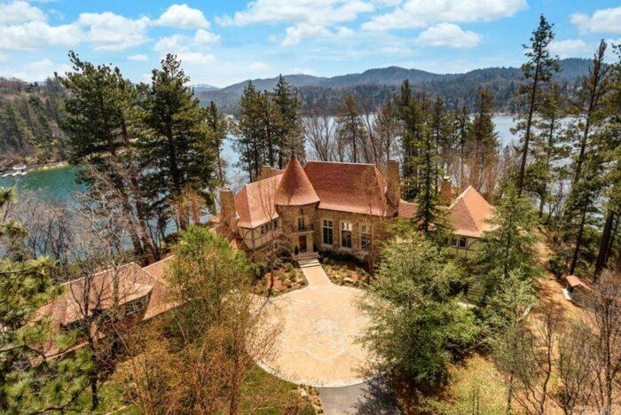 Lake Arrowhead Peninsula Estate on the lake belonged to disney animator