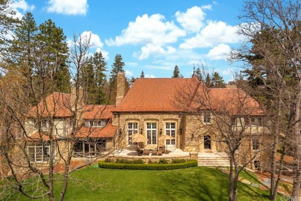 Lake Arrowhead Peninsula Estate on the lake