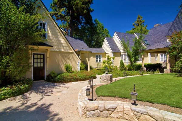 lake arrowhead real estate - waterfront estate - living in lake arrowhead