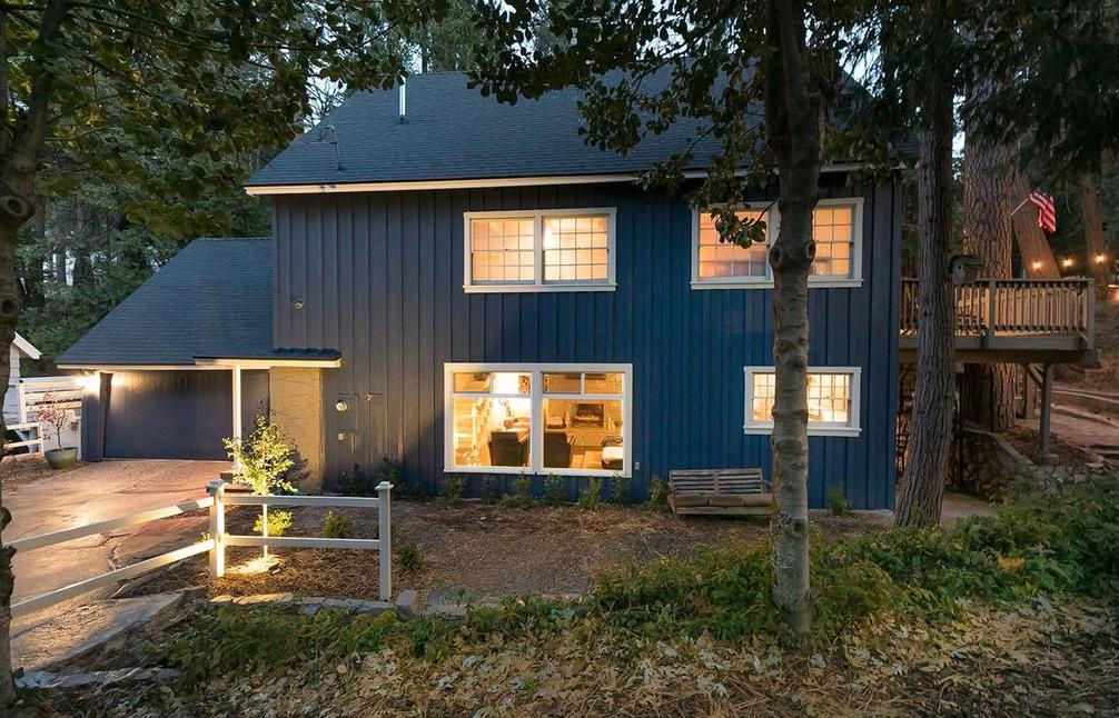 Blue house for sale in Lake Arrowhead, California