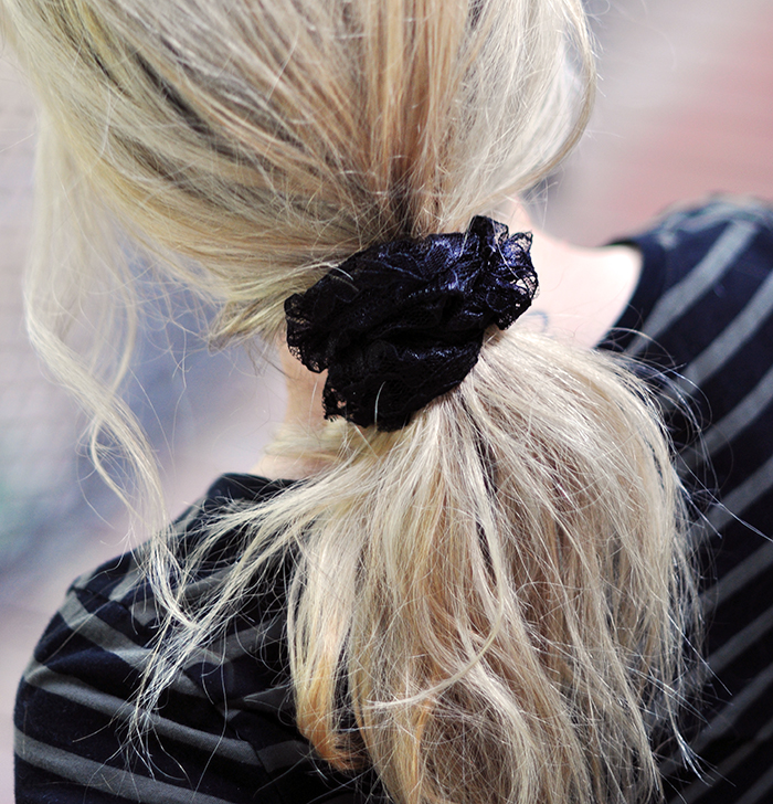 DIY Lace hair scrunchie tutorial