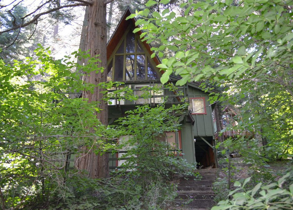 cabin in the woods in lake arrowhead - retro '70s airbnb