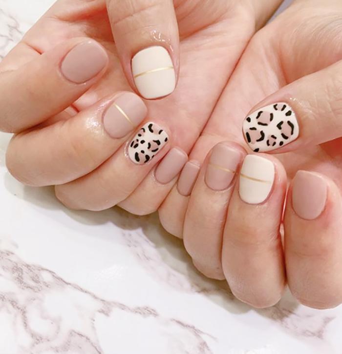 leopard print manicure
