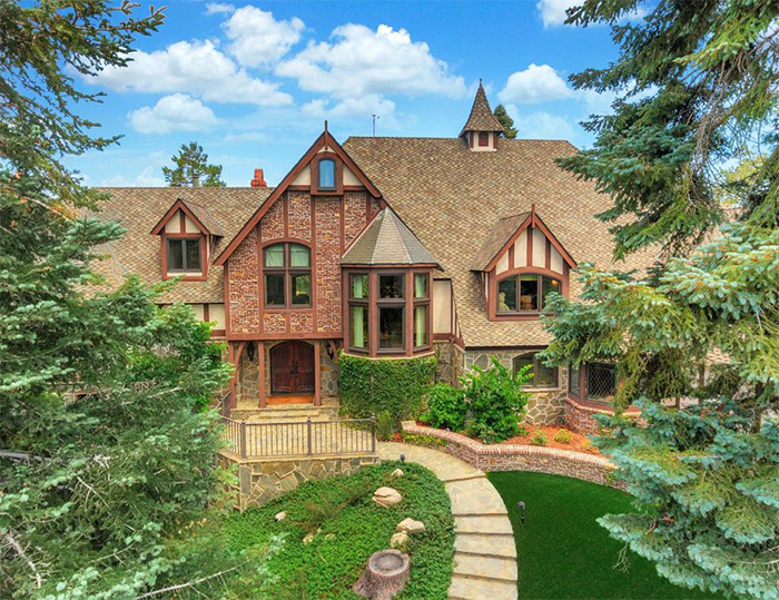 Amazing houses in lake arrowhead