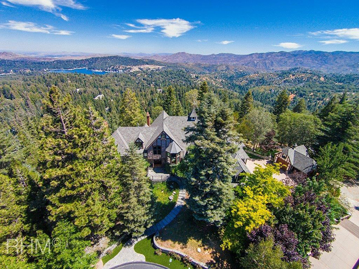 Amazing homes in lake arrowhead
