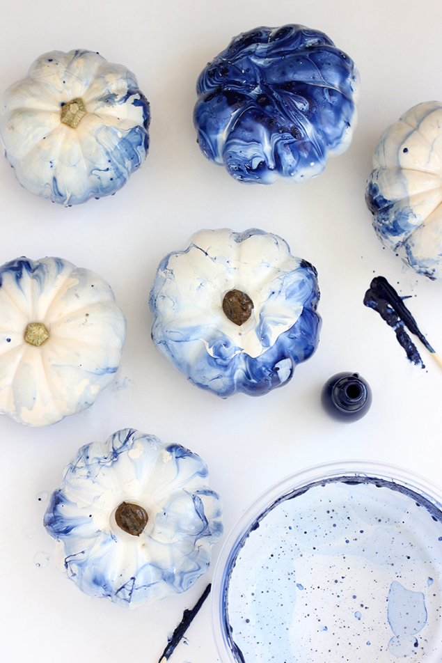 blue indigo marbled pumpkins diy with nail polish