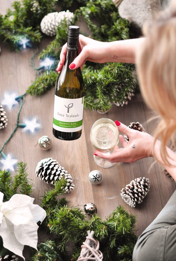 Peter Yealands Wine - Sauvignon blanc - rustic holiday decor 3