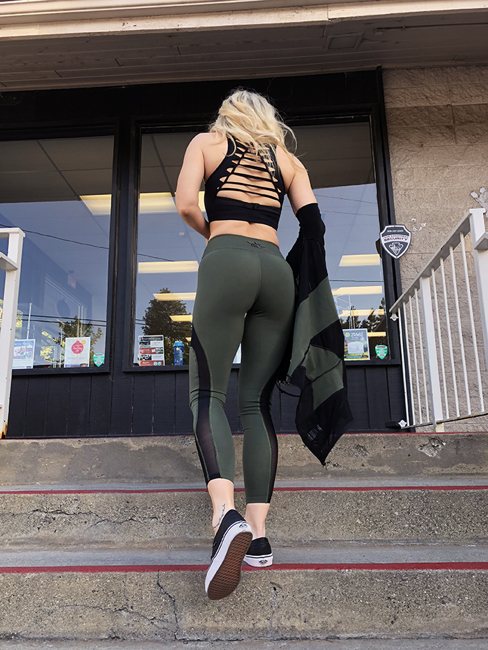 workout goals - fitness look - army green and black activwear-love maegan tintari - lake arrowhead gym bullworx
