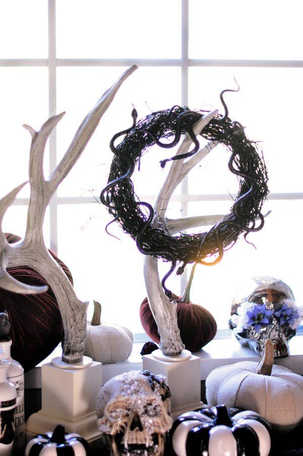 DIY Halloween Snake Wreath and decor 6