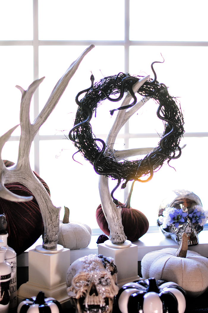 DIY Creepy Slithering Snake Halloween Wreath