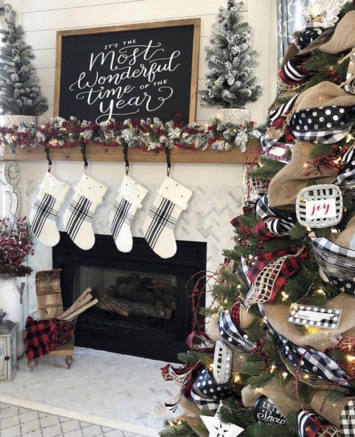 black and white buffalo plaid holiday christmas decor