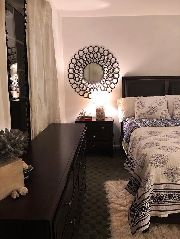 simple beachy guest room decor