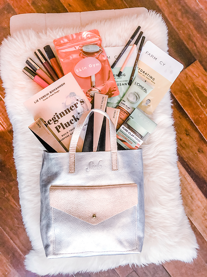 Blogger Giveaways 2020, bags, books, makeup, skincare and more