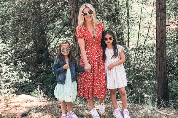 stepmom mother daughters- dresses with sneakers