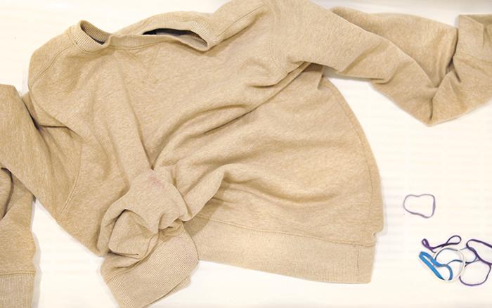 How to DIY a Bleach Tie-Dye a Sweatshirt