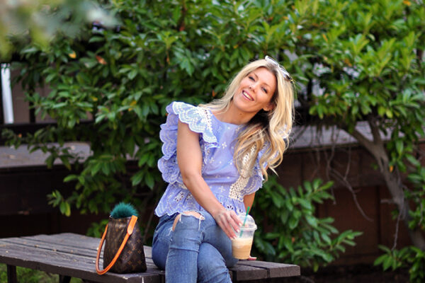 summer outfit-jeans and ruffled top