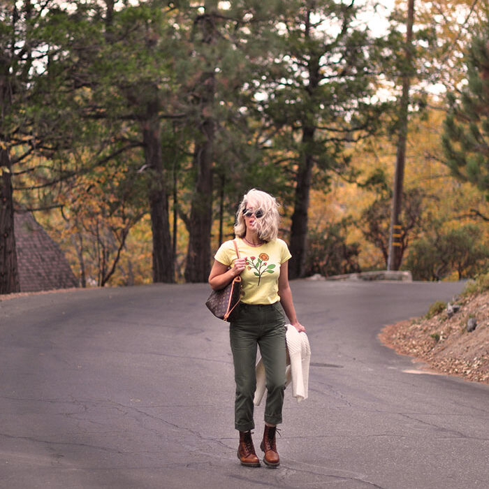 retro fall style-lee army green carpenter pants-yellow flower tee-docs