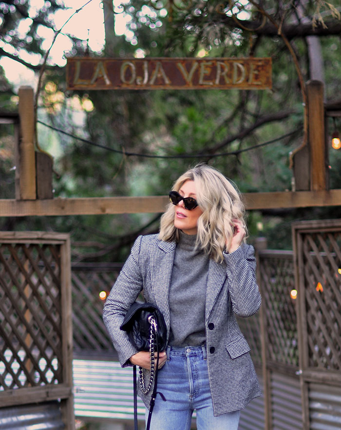 casual fall style ideas, jeans and a blazer