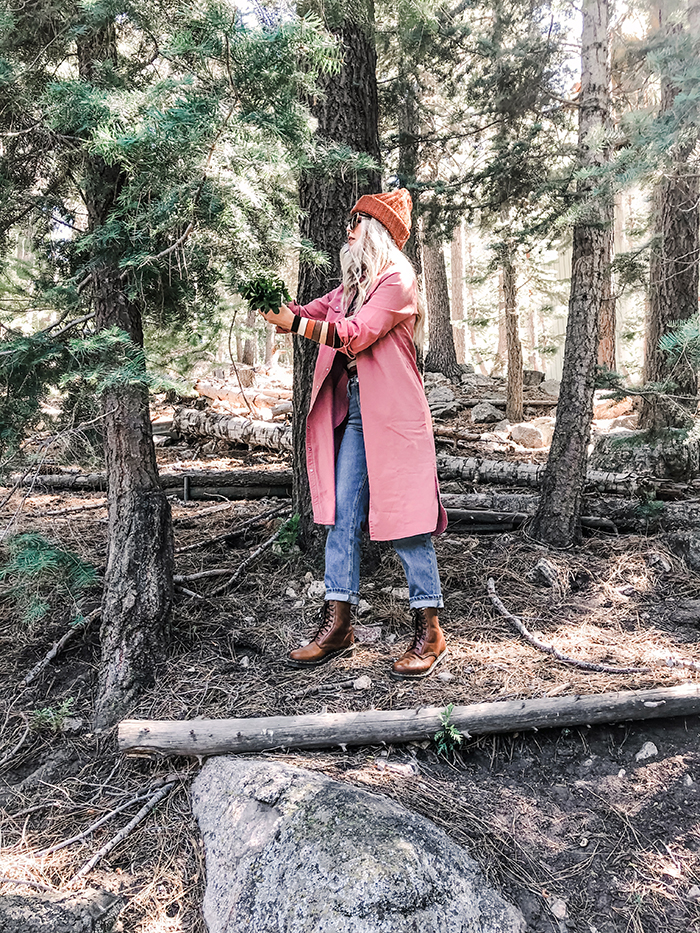 fall winter style outfit ideas foraging lake arrowhead lee jeans