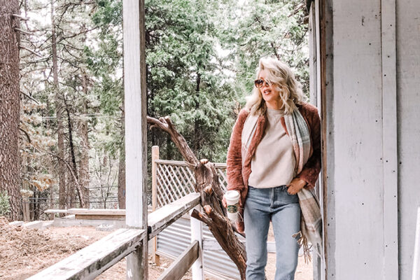 light wash jeans-docs-fauxt fur coat-home depot-love maegan-lake arrowhead