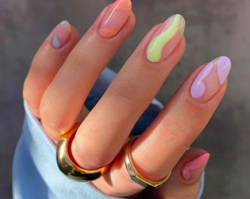 pastel nails-2021 nail art trends