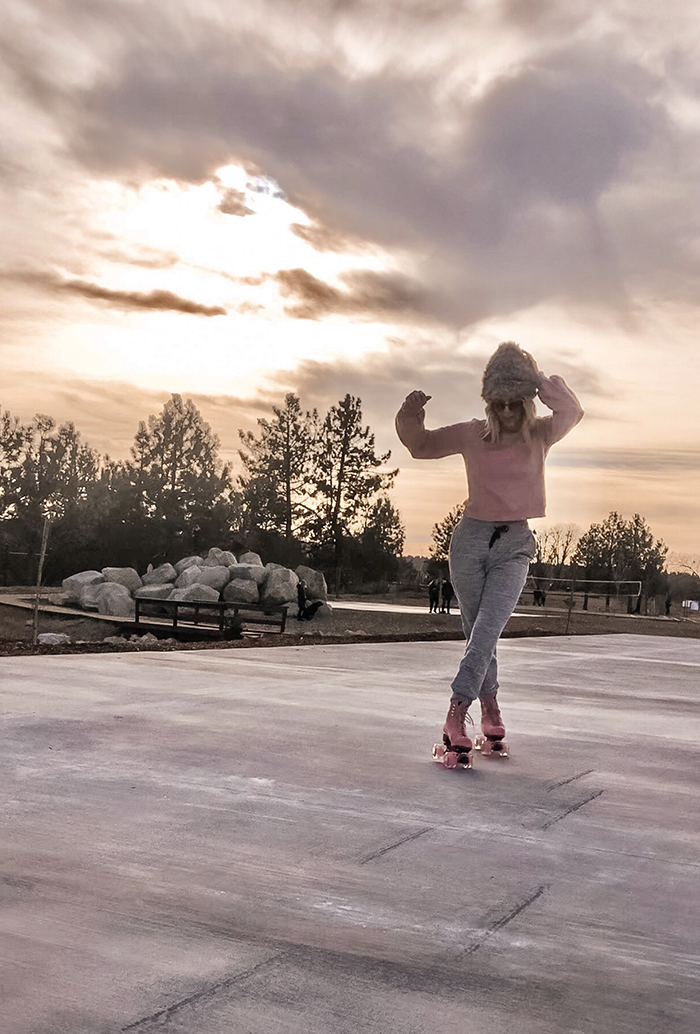 roller skating in lake arrowhead, mountain park sunset pretty pink skies, pink skates, moxi skates, outdoor roller skates, what to wear with my skates, how to roller skate