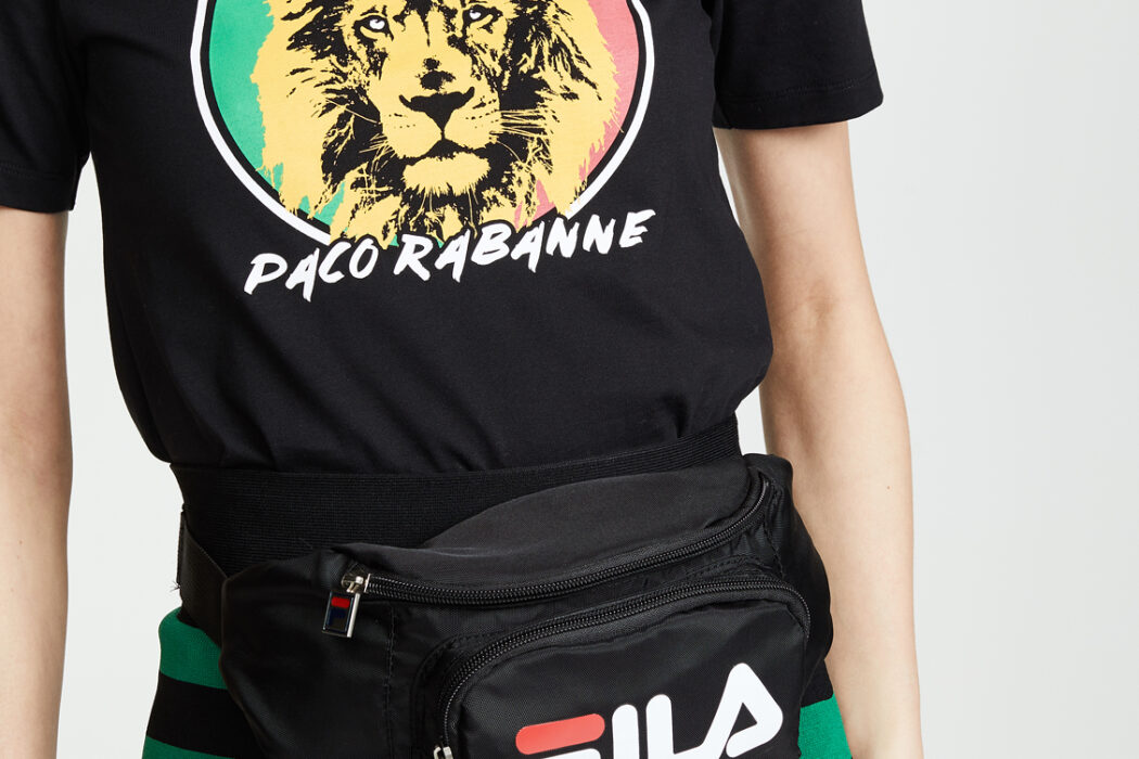 cute fanny packs, what to wear with fanny packs, fanny pack, how to wear a fanny pack, are fanny packs in style, belt bags, waist bags, bags, handbags, fashion, trends, roller skate bags