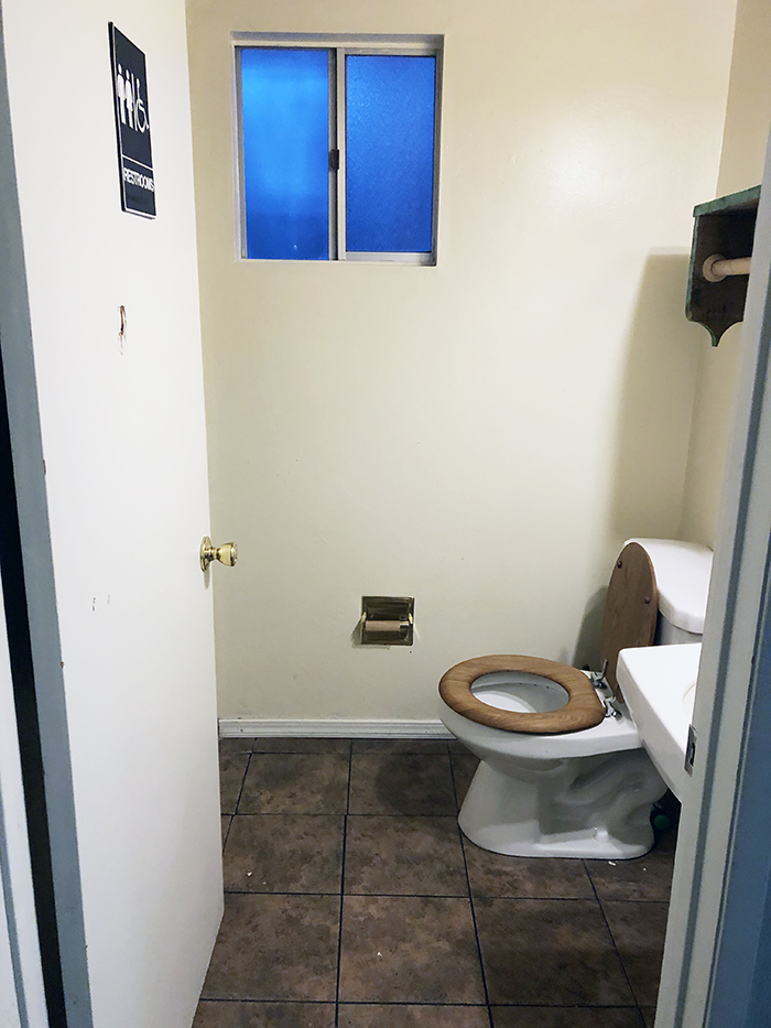 old small bathroom renovation makeover inspiration
