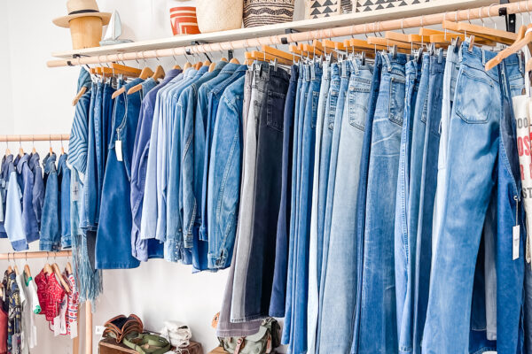 vintage levis, vintage jeans, vintage clothing, shopping, lake arrowhead, where to shop in lake arrowhead, lake arrowhead shops
