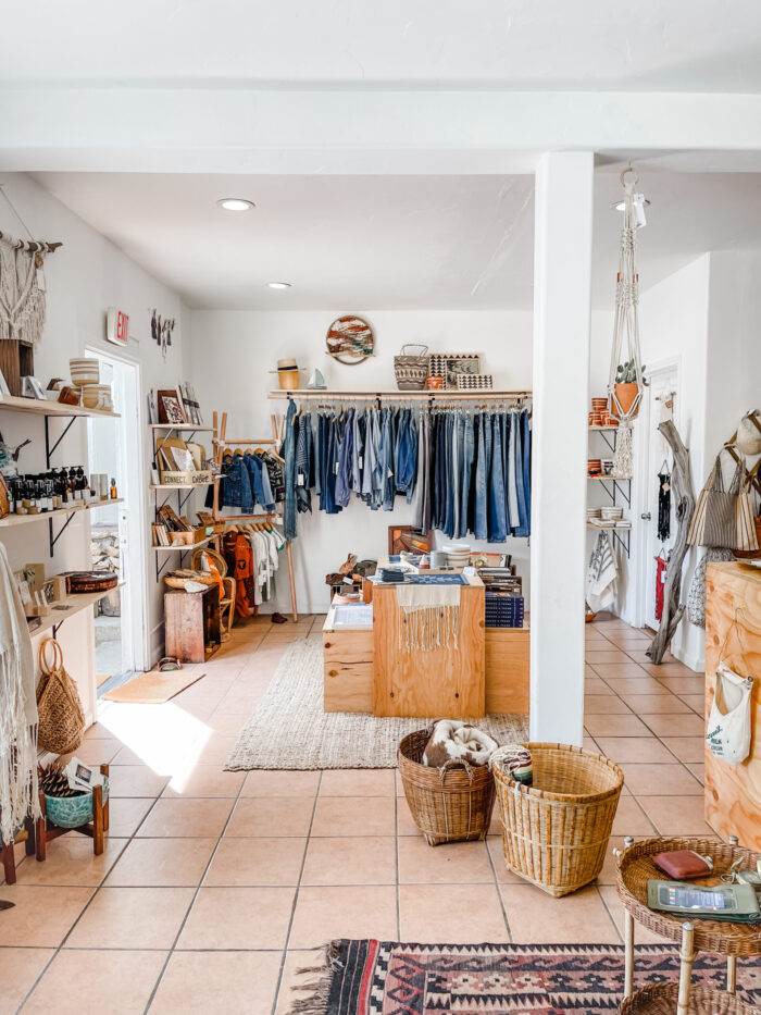 vintage levis, vintage jeans, vintage clothing, shopping, lake arrowhead, where to shop in lake arrowhead, lake arrowhead shops, general store, quirky mountain store