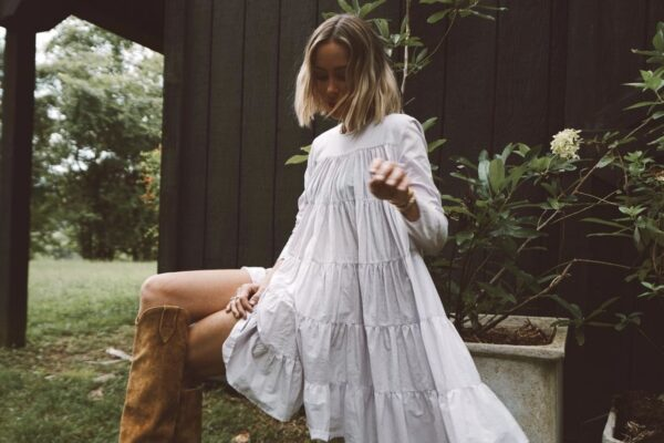 open white dress with brown boots, fall outfit ideas, white and brown for fall, white and brown color palette, fall outfit inspiration