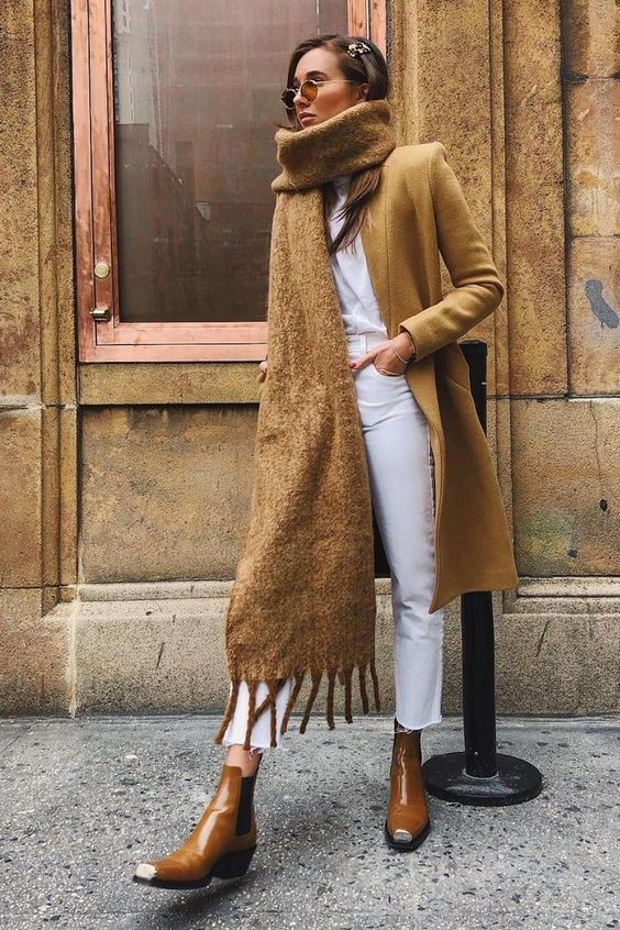 fall outfit ideas, fall 2021 color palette, white an brown outfit ideas, warm fall fashion inspiration, white and brown for fall, what to wear for fall 2021, white jeans with camel coat, white and camel outfit ideas, outfits