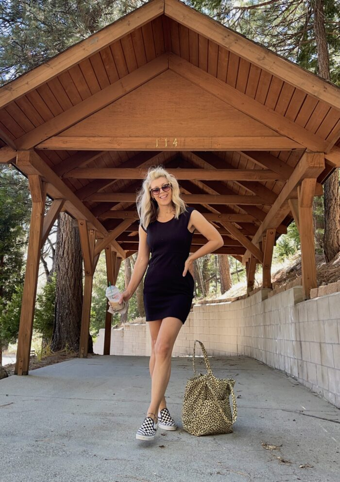 easy style, dresses with tennis shoes, vans and dresses, lbd, little black dress, black dress with checkered vans, summer style, lake arrowhead, california