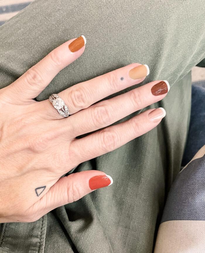 brown nails-fall nail art ideas-french tip hack-fall nails
