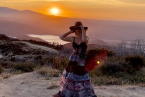 Standing in a Nice Dress Staring at the Sunset, Babe