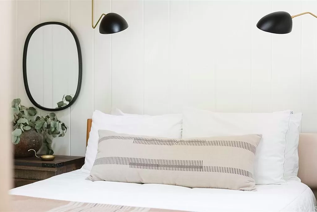 clean contemporary mountain rustic bedroom