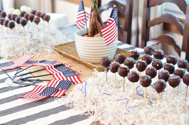 4th of july table + cake pops