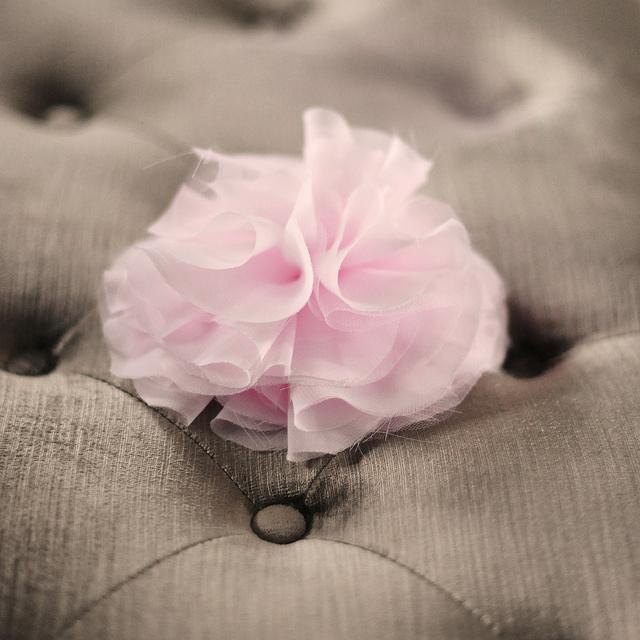 DIY French Pouf ~ Huge Chiffon Flower Pin