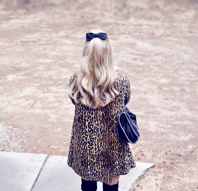 60s leopard coat_boots_hair bow