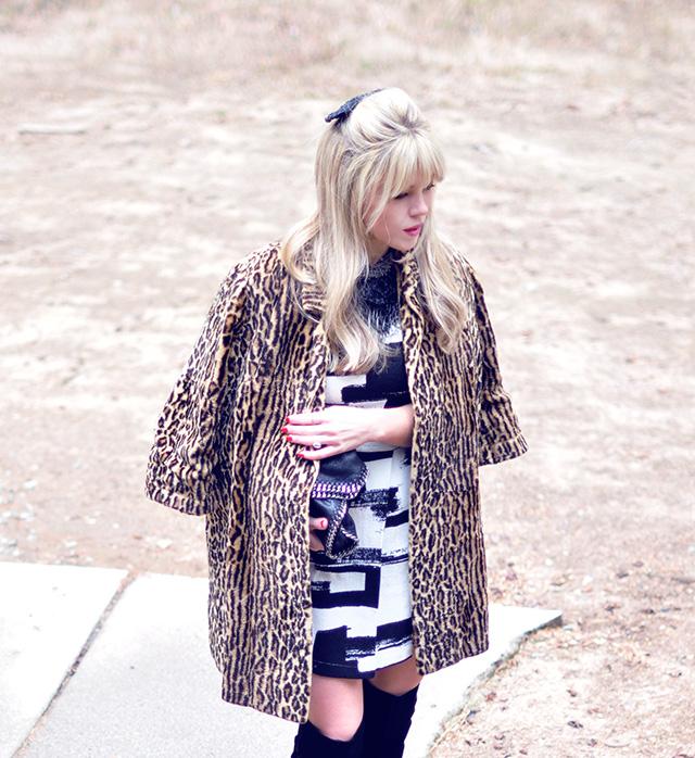 60s look_leopard coat_stella mccartney bag