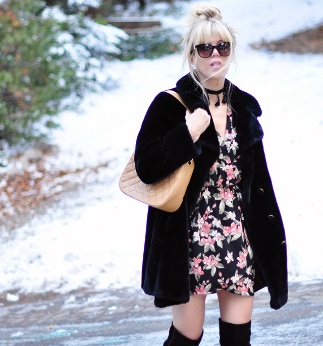 60s meets 90s style in the snow_faux fur coat_chanel bag