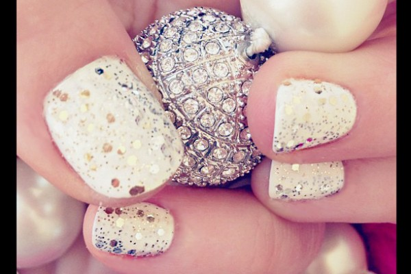 gold and silver glitter NYE nails