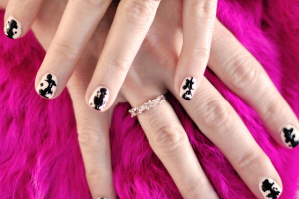 Black and white inkblot nails