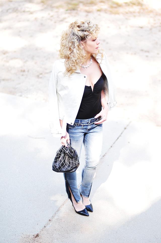 80s Sandra Dee Look_big curls_jeans_white leather biker-1